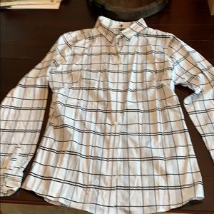Banana Republic fitted button down blouse.